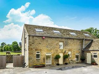 BULLACE BARN, detached stone-built cottage, family and pet friendly, in Millhouse Green, near Holmfirth, Ref 23330 - Holmfirth vacation rentals