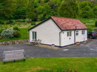 GWERN TYNO, family friendly, country holiday cottage, with a garden in Colwyn - Colwyn Bay vacation rentals
