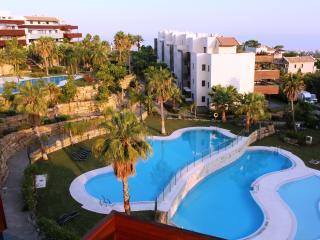 Hoyo 19 Exclusive Penthouse, Malaga - Puerto José Banús vacation rentals