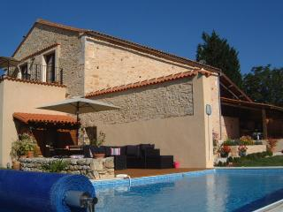 Holiday Barn private heated pool Wifi in Charente - Chasseneuil-sur-Bonnieure vacation rentals