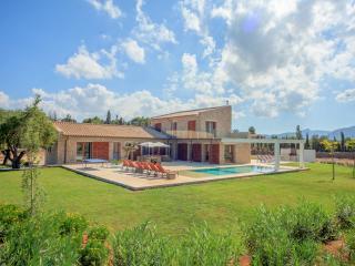 La Vinya, luxury 5 suite villa near Pto Pollenca - Port de Pollenca vacation rentals