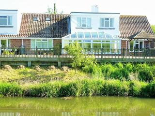 Winchelsea Beach Holiday Annex with river frontage - Winchelsea vacation rentals