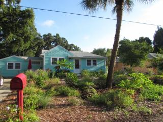 A little piece of PARADISE - Gulfport vacation rentals