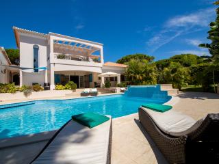 Vale do Lobo villa short walk to beach - Vale do Lobo vacation rentals