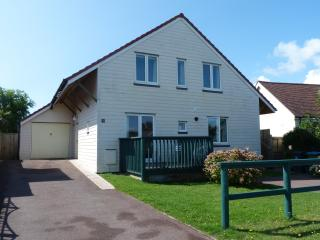 Architect designed home close to beach - Bognor Regis vacation rentals