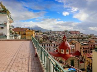 Splendido appartamento panoram - Naples vacation rentals
