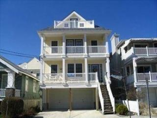 Beach Block/ 2Decks/Off street parking - Ocean City vacation rentals