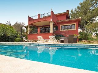 Adorable Villa in Marratxi with Shared Outdoor Pool, sleeps 10 - Marratxi vacation rentals