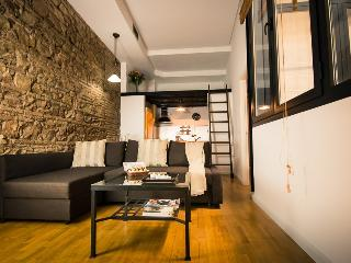 Nice Condo with Internet Access and Dishwasher - Malaga vacation rentals