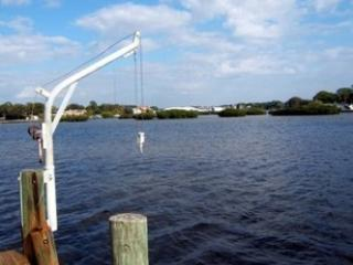 Gorgeous House with Deck and Internet Access - Tarpon Springs vacation rentals