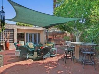PARADISE FOUND! Spoil Yourself!  Outdoor Kitchen / Firepit / HotTub / Tennis Cts. in Rancho Mirage - Rancho Mirage vacation rentals