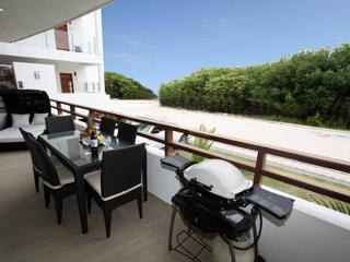Lavishly Adorned Beachside Retreat - Mujeres Baila - Playa del Carmen vacation rentals