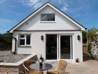 Penlon: Cottage for Couples near Pwllheli - 373308 - Pwllheli vacation rentals