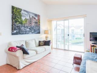 Great 1 bedroom condo near airport & Ventura golf - Orlando vacation rentals