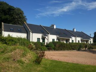 2 bedroom Cottage with Internet Access in Linlithgow - Linlithgow vacation rentals