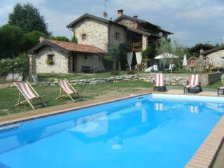In Veccho Casale con piscina Lago Maggiore - Veruno vacation rentals