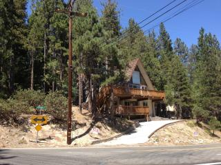 Gorgeous House with Deck and Internet Access - Lake Arrowhead vacation rentals