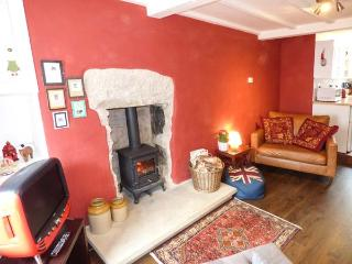 DOVE COTTAGE, romantic cottage in Tideswell, Ref. 914256 - Tideswell vacation rentals