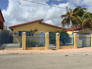 Barefoot Butterfly Bungalow - Oranjestad vacation rentals