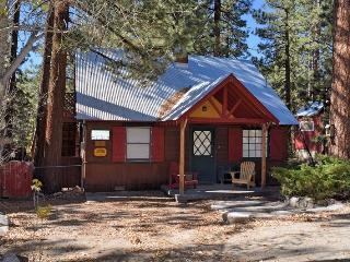Blue Jay Cottage: Quaint! Fawnskin! Near the lake! - Big Bear City vacation rentals