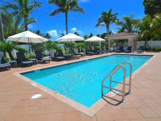 New Stunning Beach Villa Htd Pool/Spa Near Beach! - Pompano Beach vacation rentals