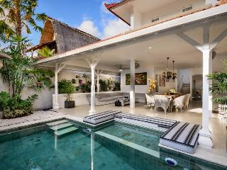 Villa Ozamiz By Bali Villas Rus -EAT STREET VILLA, CLOSE TO SHOP AND BAR - Seminyak vacation rentals