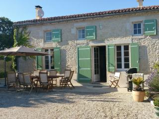 Perfect House with Internet Access and Satellite Or Cable TV - Saint Jean d'Angely vacation rentals