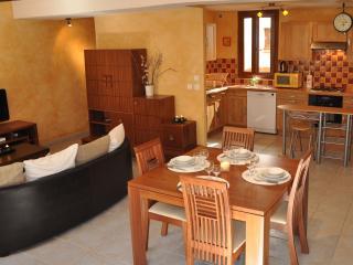 Lucie & Nicolas's Apartment Carcassonne - Carcassonne vacation rentals