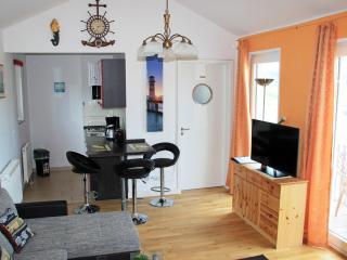 """Ferienwohnung """"Hafenblick"""" (OG, Marina Mücheln) - Saxony-Anhalt vacation rentals"""