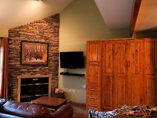 River Mountain Lodge W311 Ski-in Condo Downtown Breckenridge Vacation - World vacation rentals