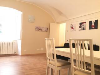 Riva Ligure, casa nuova a 20 mt. dal mare - Arma di Taggia vacation rentals