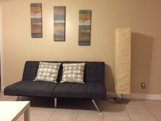 Beautiful apartment in sunrise - Plantation vacation rentals