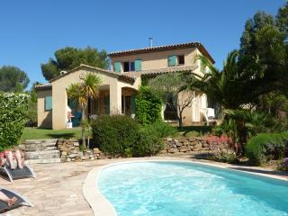 La Ticaso, villa 5 chambres (11 couchages) piscine - Saint Raphaël vacation rentals