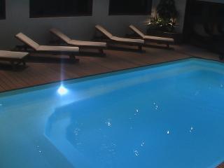 LE MANHATTAN - Reims vacation rentals