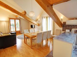 Lovely 4 bedroom Condo in Les Praz-de-Chamonix - Les Praz-de-Chamonix vacation rentals
