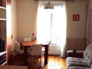 NICE FLAT PARIS LA DEFENSE 15 min of Champs Elysée - La Garenne-Colombes vacation rentals