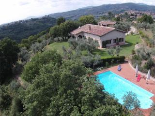 Bright 4 bedroom Villa in Monteleone Sabino - Monteleone Sabino vacation rentals