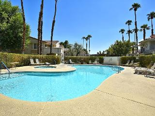 Sunny 2BR/2BA Palm Springs Country Club Condo, Amazing Location, Sleeps 4! - Palm Springs vacation rentals