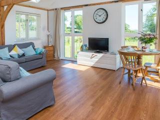 Bright 2 bedroom Cabin in North Perrott - North Perrott vacation rentals