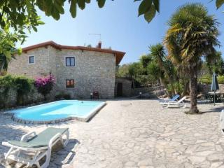 Nice 3 bedroom Atalaia Villa with Internet Access - Atalaia vacation rentals