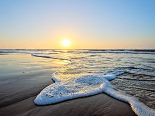 Ocean View Heated Pool, 3D TV, Top Floor Condo 318a - Galveston vacation rentals