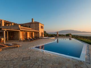 Gorgeous Villa with Internet Access and Balcony - Korithion vacation rentals