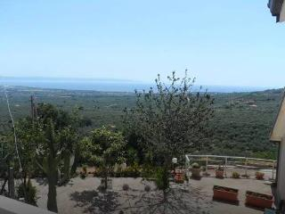 APARTMENT NEAR THERMAL BATHS WITH BEAUTIFUL VIEW - Lamezia Terme vacation rentals