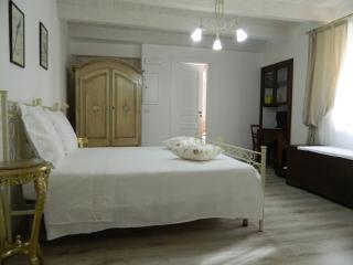 Comfortable 5 bedroom B&B in Moliterno with Dishwasher - Moliterno vacation rentals