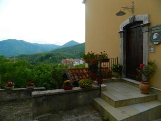 Adorable Bed and Breakfast in Moliterno with Internet Access, sleeps 10 - Moliterno vacation rentals