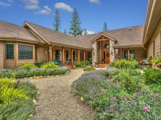 Mountain Lodge On Ten Quiet Acres - Graeagle vacation rentals