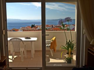 3* Sea View Apartment with Swimming Pool - Businci vacation rentals