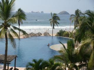 Great Oceanfront Condo AMARA Ixtapa - Ixtapa vacation rentals
