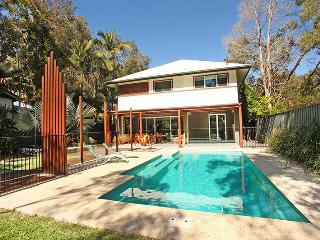 47 Banksia Avenue Coolum Beach - Pet Friendly, Linen included, $500 BOND - Coolum Beach vacation rentals