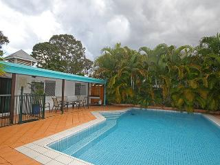 16 Santa Monica Avenue, Coolum Beach - Pet Friendly, $500 Bond - Coolum Beach vacation rentals